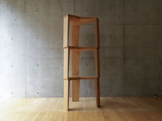 YATA stool por hirakoso DESIGN Moderno