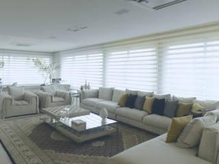 Motta Viegas arquitetura + design 现代客厅設計點子、靈感 & 圖片 木頭 Yellow