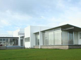 Terrace by VG+VM Arquitectos, Modern