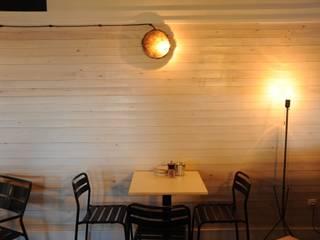 mamatown bar coctelería: Bares y Clubs de estilo  de noe vega interiorismo