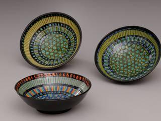 Vaisselle et tableaux:  de style  par Entreprise individuelle Geneviève Doya, Éclectique