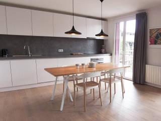 Flat in Annecy Antoine Chatiliez Modern Kitchen