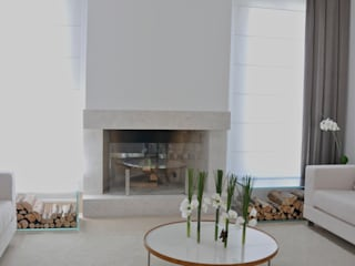 Phòng khách phong cách tối giản bởi Renata Amado Arquitetura de Interiores Tối giản
