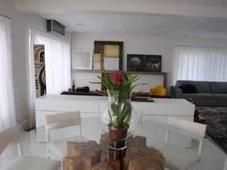 Phòng ăn phong cách hiện đại bởi Renata Amado Arquitetura de Interiores Hiện đại