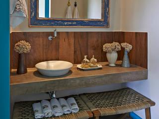 ラスティックスタイルの お風呂・バスルーム の Beth Marquez Interiores ラスティック