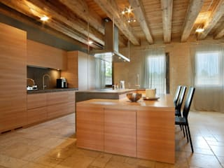 Modern Kitchen by STUDIO CERON & CERON Modern