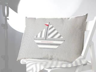 Poduszka Tyyny: styl , w kategorii  zaprojektowany przez Lilla Sky