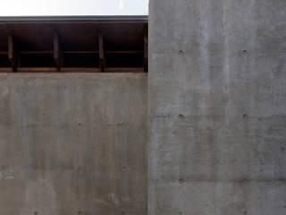 中浦和の住宅: 井上洋介建築研究所が手掛けた家です。,モダン