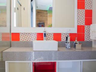 Interior Residencial Banheiros modernos por Tuti Arquitetura e Inovação Moderno