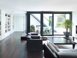 Mehrfamilienhaus Goldbergstraße Moderne Wohnzimmer von SPP Sturm Peter + Peter Architekten + Ingenieure Modern