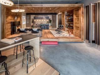 Showroom design - Hakwood Studio Tirol Industriële kantoor- & winkelruimten van Standard Studio - Amsterdam Industrieel