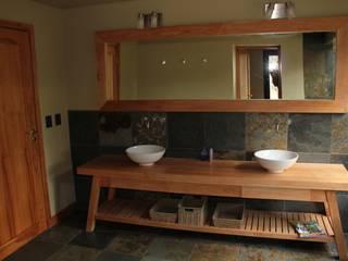 Ванные комнаты в . Автор – Aguirre Arquitectura Patagonica