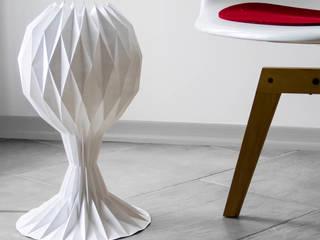 白SHIRO table lamp_gray shading:  in stile  di metrocuadro-design
