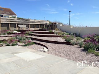 Coastal Garden, Brighton:  Garden by Alitura Landscape and Garden Design
