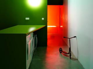 OCEAN_SHSH:  Bathroom by SHSH Architecture + Scenography