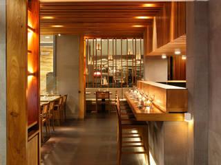 Restaurante Kotobuki Espaços gastronômicos asiáticos por Ivan Rezende Arquitetura Asiático