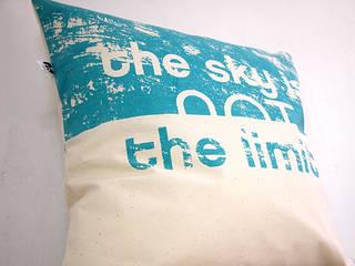 the sky is not a limit: styl , w kategorii  zaprojektowany przez MAQUDESIGN