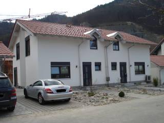 Doppelhaus in Fischbach Moderne Häuser von Architekturbüro Rudolf Fürstner Modern