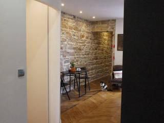 Rénovation appartement A. Lyon (6ème) Cuisine moderne par Marion Bochirol Architecte d'Intérieur CFAI Moderne