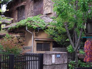 早稲田のシェアハウス: 奥村召司+空間設計社が手掛けたです。