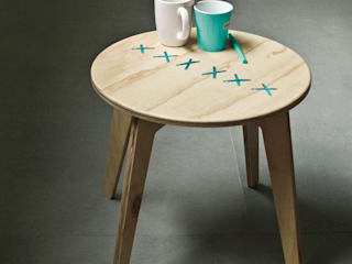 STITCHED  coffee table_natural_turquoise string:  in stile  di metrocuadro-design