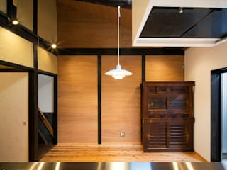 長崎工作室 Moderne Esszimmer