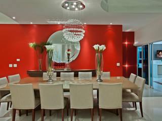 Casa Flora: Salas de jantar  por Arquiteto Aquiles Nícolas Kílaris