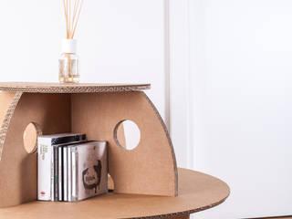 Coccinelle: tavolino, sgabello, comò in cartone di SpazioNova Moderno