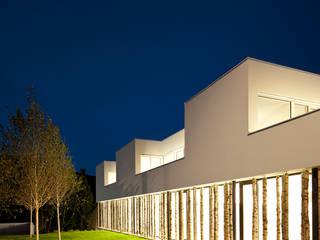 ORDINATION WIENERWALD: moderne Häuser von juri troy architects