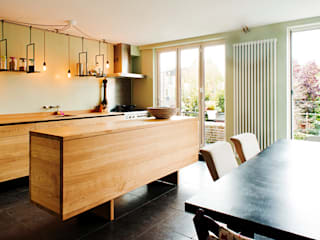 Oak Kitchen:   door Atelier 010