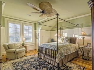 Dormitorio Dormitorios de estilo clásico de REFORMAS-SERVICIOS Clásico