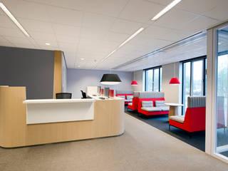 Ijmond werkt:  Kantoorgebouwen door MHS Ontwerpt