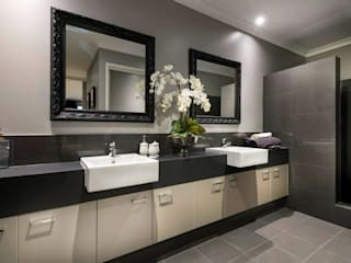 Bathroom by Moda Interiors, Perth, Western Australia 根據 Moda Interiors 古典風