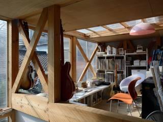 林泰介建築研究所 Eclectic style study/office