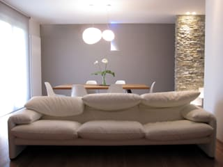 Modern living room by Laura Canonico Architetto Modern