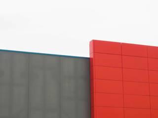 Commercial Center : Case in stile in stile Minimalista di Alessandro Barattelli