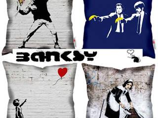 Poduszki Banksy: styl , w kategorii  zaprojektowany przez Decodore basic