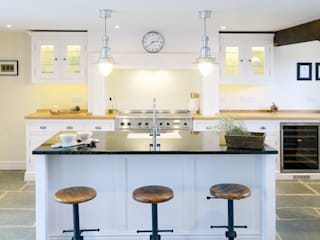 The Classic Kitchen in West Sussex Barn by Simon Benjamin Furniture Classic