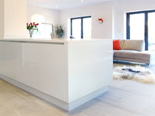 The Modern Kitchen in a Yorkshire Town House Cuisine classique par Simon Benjamin Furniture Classique
