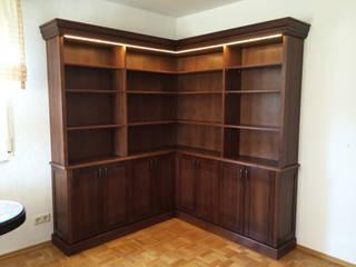 Bibliotheksschrank Arbeitszimmer:   von INSIDE Architecture