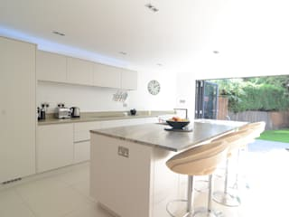 The Modern Kitchen in Wimbledon, London Modern Kitchen by Simon Benjamin Furniture Modern