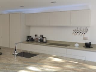 The Modern Kitchen in Wimbledon, London Cuisine moderne par Simon Benjamin Furniture Moderne