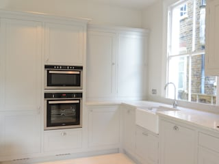 The Classic Kitchen in Surrey by Simon Benjamin Furniture Classic
