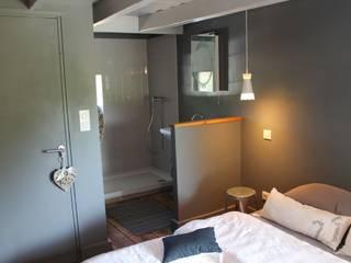 modern Bedroom by virginie DEVAUX