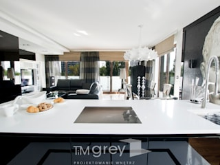 Glamur Apartment 110m2 Klasyczny salon od TiM Grey Interior Design Klasyczny