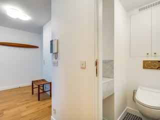 Scandinavian style corridor, hallway& stairs by blackStones Scandinavian