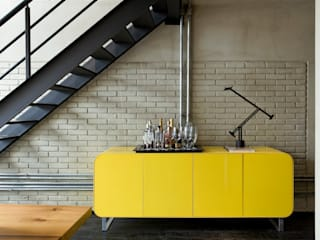 Pasillos y recibidores de estilo  por DIEGO REVOLLO ARQUITETURA S/S LTDA.