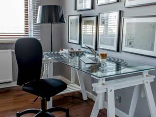 Modern Flat - 79m2 Nowoczesne domowe biuro i gabinet od TiM Grey Interior Design Nowoczesny
