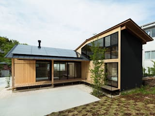 Eclectic style houses by 松島潤平建築設計事務所 / JP architects Eclectic