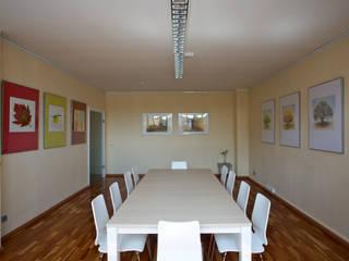hiện đại  theo Interiordesign - Susane Schreiber-Beckmann gestaltet Räume., Hiện đại